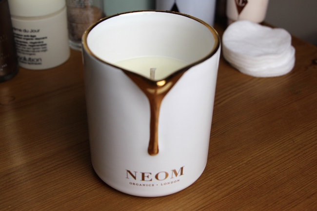 neom intensive skin treatment candle